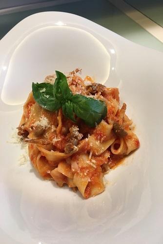 Patacche (fettuccine acqua e farina) di zia Italia: per 4 persone